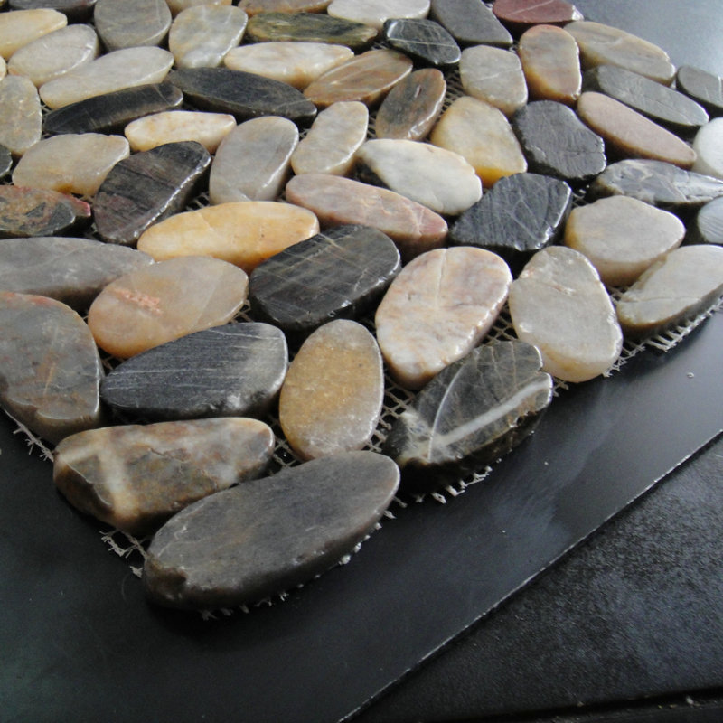 Pebble Stone on Net Tile